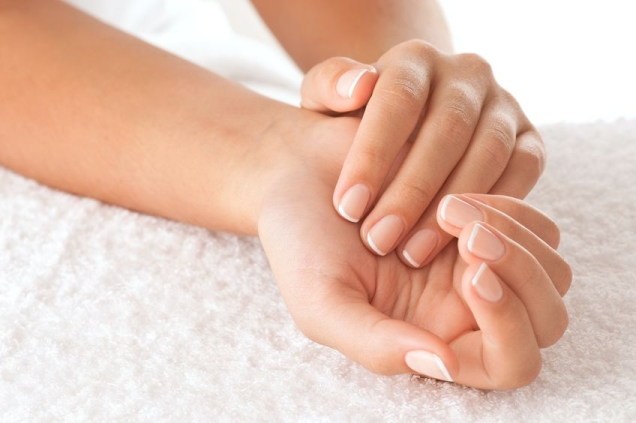 How to Remove Dead Skin from Hands at Home?