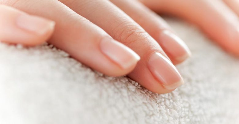 How to Stop Nails from Splitting Horizontally?