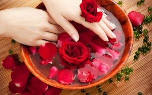 Can I use rose water on my hair?