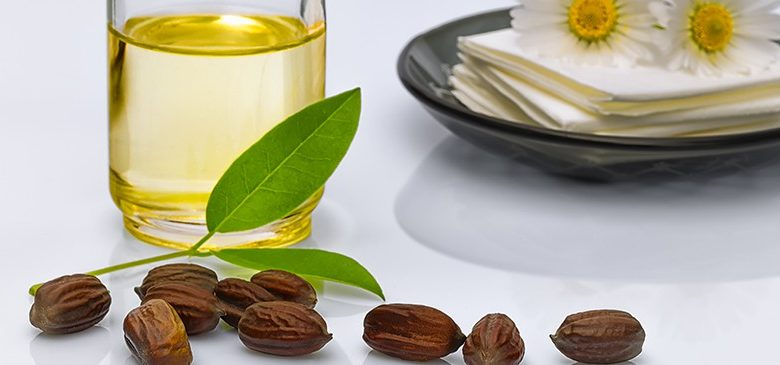 How to use Jojoba oil as a facial cleanser?