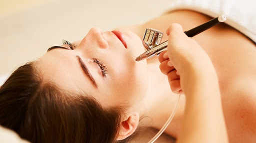 what does an oxygen facial do for your skin?