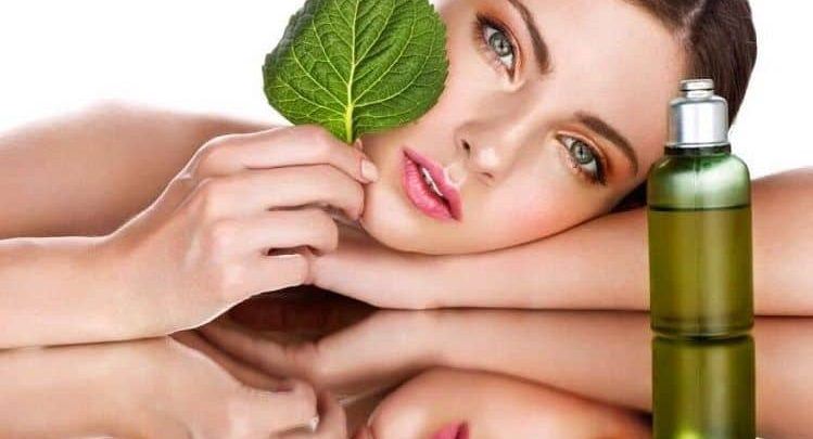How can I use Tamanu oil on face?
