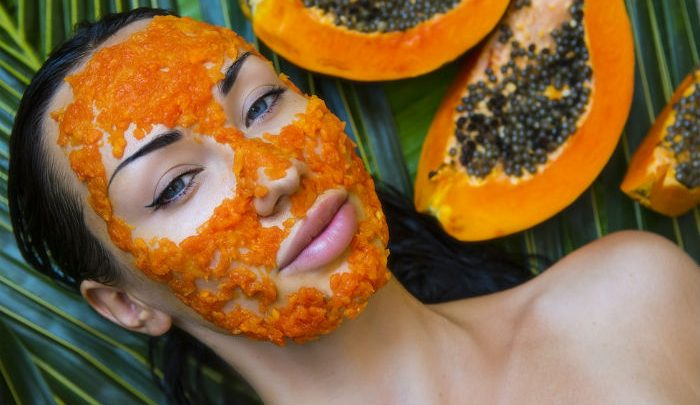 How to use Papaya leaves for skin whitening?
