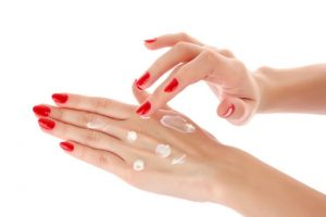 How to remove veins from hands naturally?